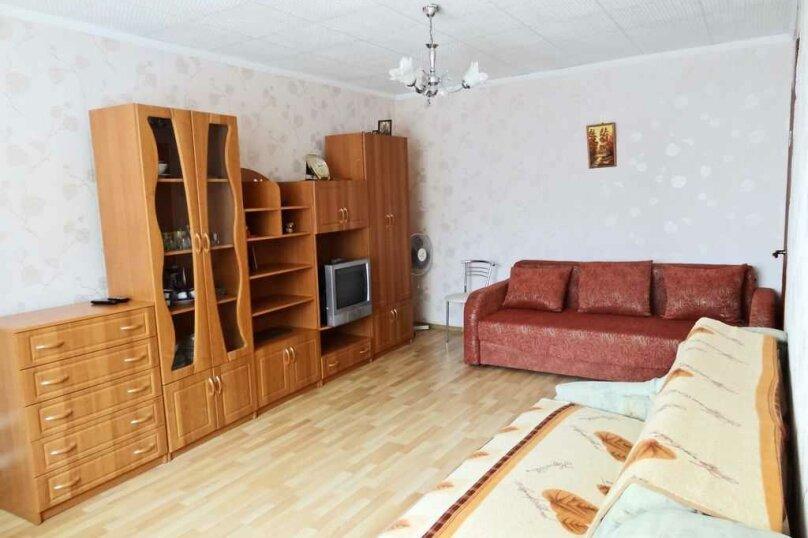1-комн. квартира на 4 человека, улица Чкалова, 139, Феодосия - Фотография 1