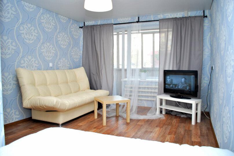 1-комн. квартира, 40 кв.м. на 5 человек, проспект имени Ю.А. Гагарина, 1-я линия, 31, Златоуст - Фотография 2