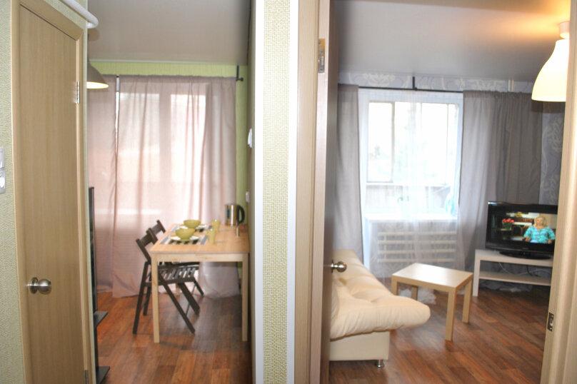 1-комн. квартира, 40 кв.м. на 5 человек, проспект имени Ю.А. Гагарина, 1-я линия, 31, Златоуст - Фотография 5