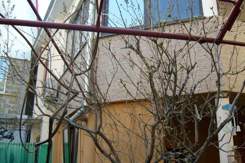 """Гостевой дом """"Таврический"""", Таврический тупик, 3 на 2 комнаты - Фотография 1"""