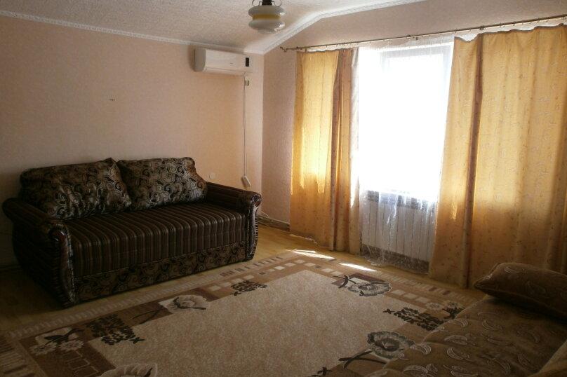 Сдаю жилье: 2 этаж частного дома с отдельным входом., 100 кв.м. на 4 человека, 2 спальни, Прохладная, 4, Балаклава - Фотография 3