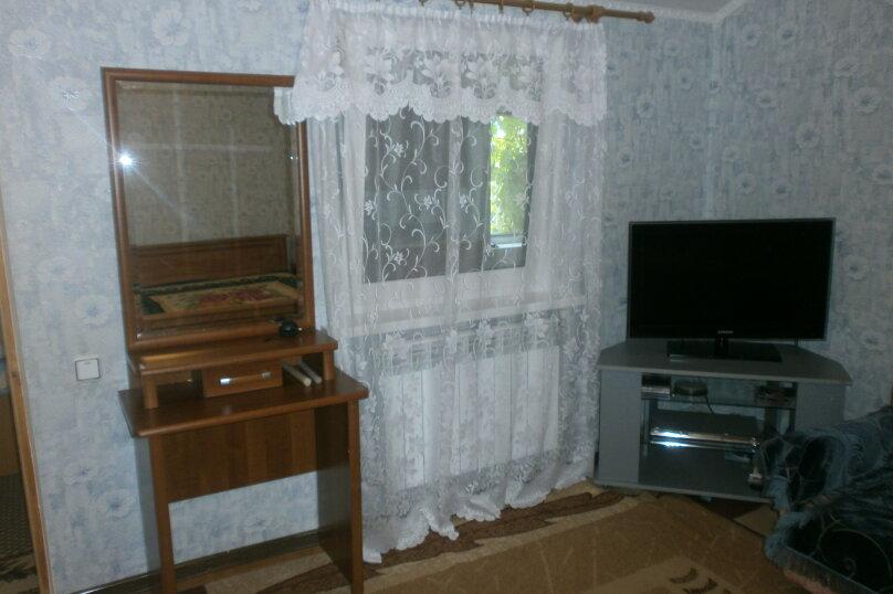 Сдаю жилье: 2 этаж частного дома с отдельным входом., 100 кв.м. на 4 человека, 2 спальни, Прохладная, 4, Балаклава - Фотография 6
