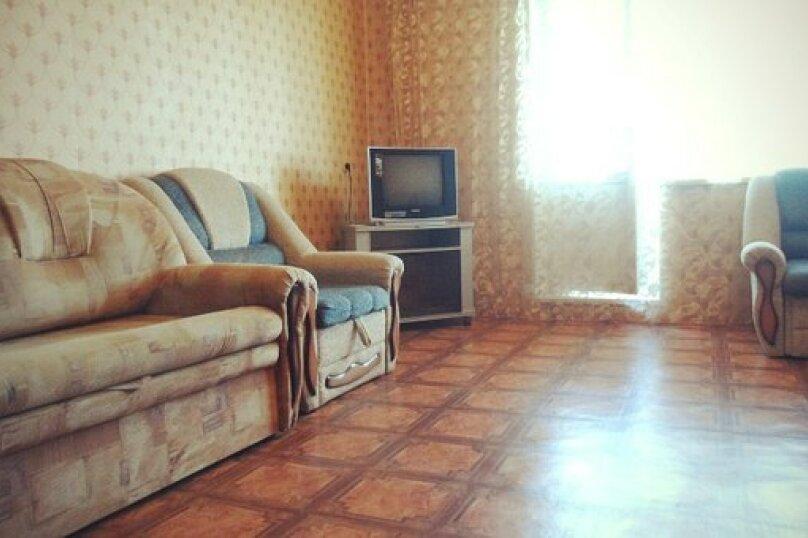 1-комн. квартира, 43 кв.м. на 2 человека, улица Доватора, 10А, Челябинск - Фотография 1