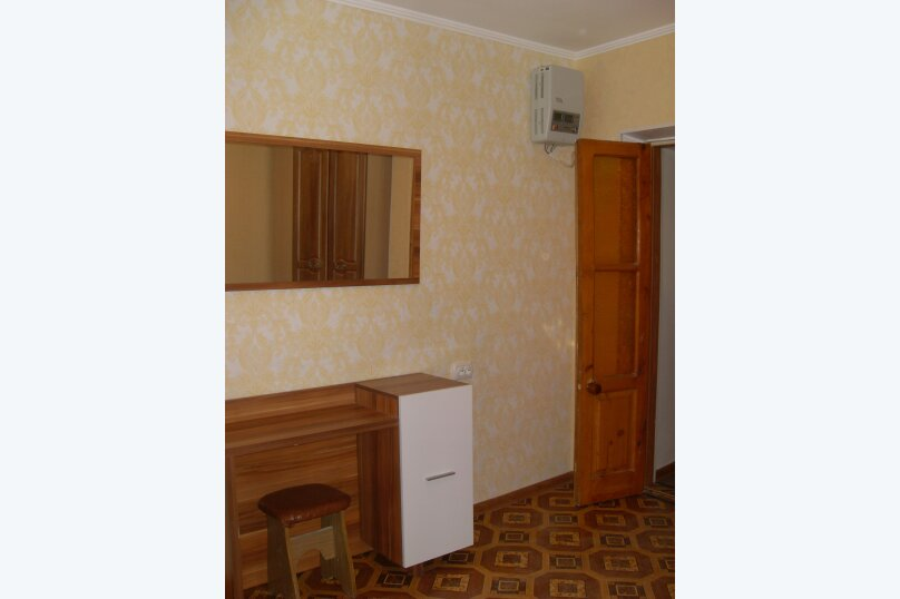 Сдам частный домик в районе парка, 70 кв.м. на 8 человек, 2 спальни, улица Токарева, 9, Евпатория - Фотография 2