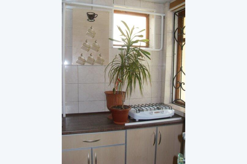 Сдам частный домик в районе парка, 70 кв.м. на 8 человек, 2 спальни, улица Токарева, 9, Евпатория - Фотография 3