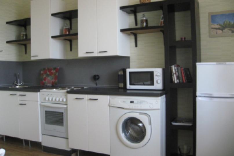 1-комн. квартира, 38 кв.м. на 3 человека, улица Пушкина, 10, Ярославль - Фотография 4
