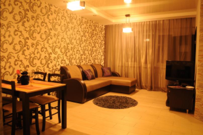 2-комн. квартира, 54 кв.м. на 5 человек, Московский проспект, 115, Ярославль - Фотография 1