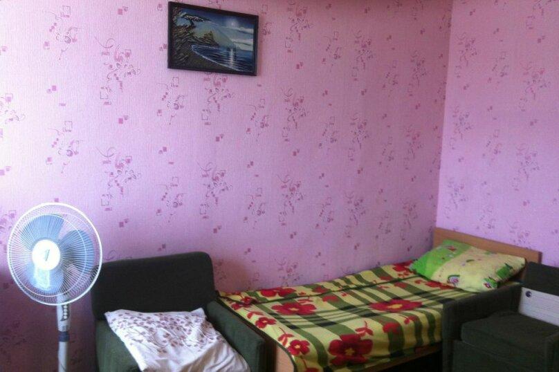 4-х местный номер в доме с хорошим ремонтом, улица Мира, 2, поселок Приморский, Феодосия - Фотография 1