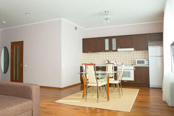 2-комн. квартира, 56 кв.м. на 4 человека, Спасская, 1к2, метро Мякинино, Москва - Фотография 4