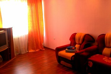 1-комн. квартира, 40 кв.м. на 3 человека, улица Жердева, Улан-Удэ - Фотография 1
