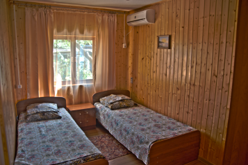 Деревянный коттедж №1, 37 кв.м. на 4 человека, 2 спальни, Приморская улица, Благовещенская - Фотография 2