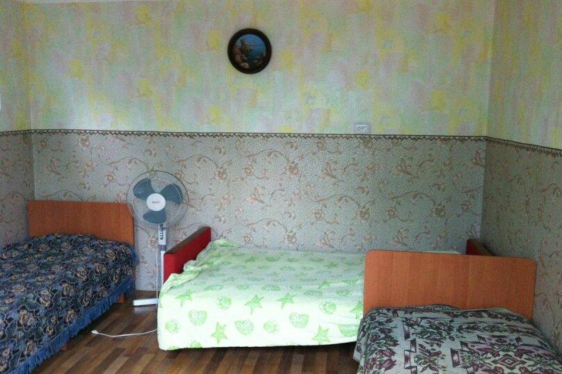 Уютный гостевой дом на 4 номера, Морская улица, 3 на 6 комнат - Фотография 8