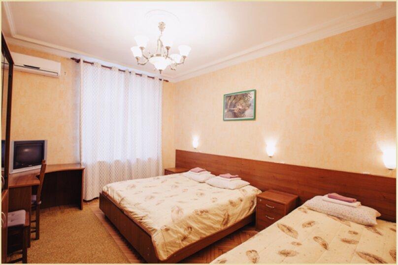 2-3 местный номер, улица Москва, 5, метро Цветной Бульвар, Москва - Фотография 1