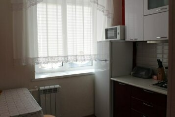 2-комн. квартира, 47 кв.м. на 4 человека, улица Гагарина, 34, Троицк - Фотография 4