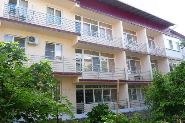 Гостевой дом, улица Павлика Морозова, 67 на 20 номеров - Фотография 1