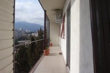 Дом, 211 кв.м. на 12 человек, улица Лесная, Алушта - Фотография 1
