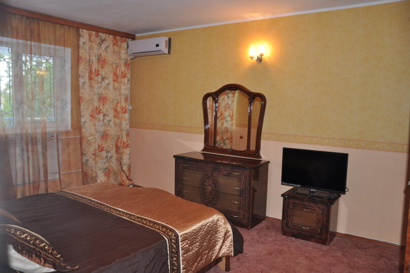 Апартаменты 90 кв. м. 3-х комнатные, 90 кв.м. на 8 человек, 3 спальни, 2-й Черноморский переулок, 10, Витязево - Фотография 6