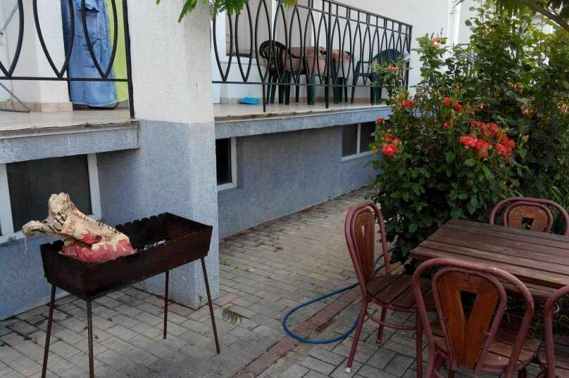 """Гостевой дом """"На Ленина 146"""", улица Ленина, 146 на 3 комнаты - Фотография 5"""