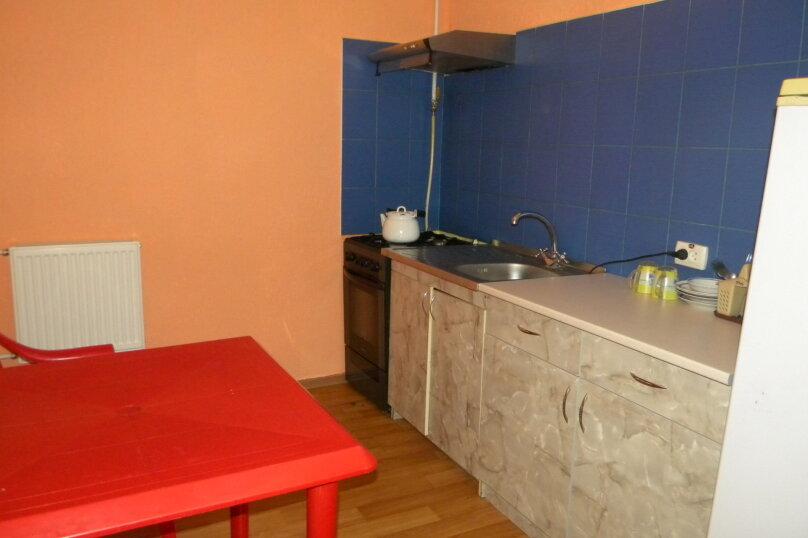 Номер  с кухней под ключ на 4 чел., 45 кв.м. на 4 человека, 1 спальня, Приморская улица, 12, Черноморское - Фотография 12
