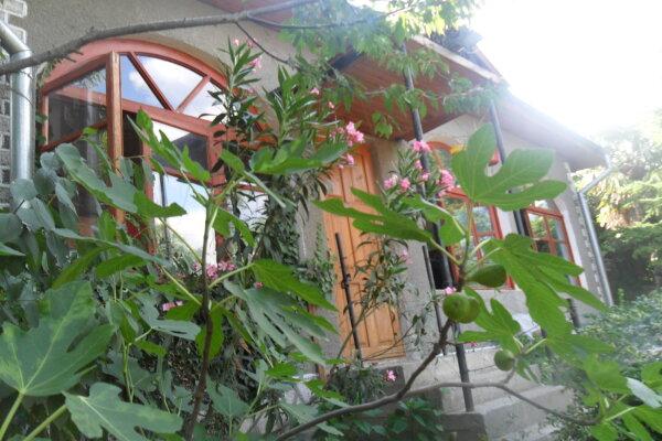Дом, 120 кв.м. на 10 человек, 3 спальни, Рабочая улица, 8, Ялта - Фотография 1