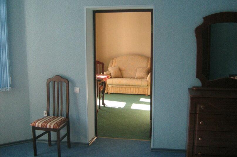 Мини гостиница ,,, улица Павлика Морозова, 8 на 22 комнаты - Фотография 8