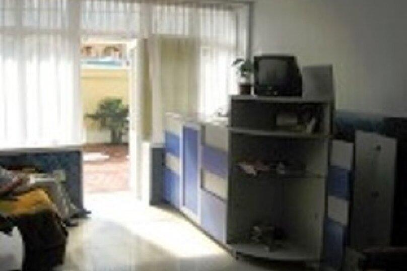 Мини гостиница ,,, улица Павлика Морозова, 8 на 22 комнаты - Фотография 3