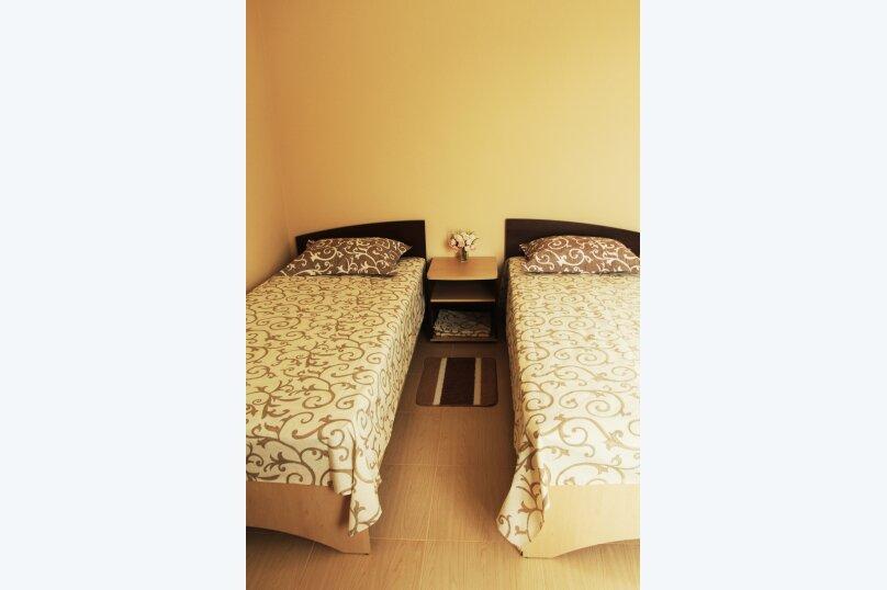 гостевой домик 'Kris', улица Краевского, 9 на 20 комнат - Фотография 31