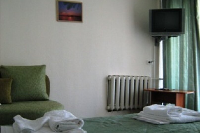 Мини гостиница ,,, улица Павлика Морозова, 8 на 22 комнаты - Фотография 23