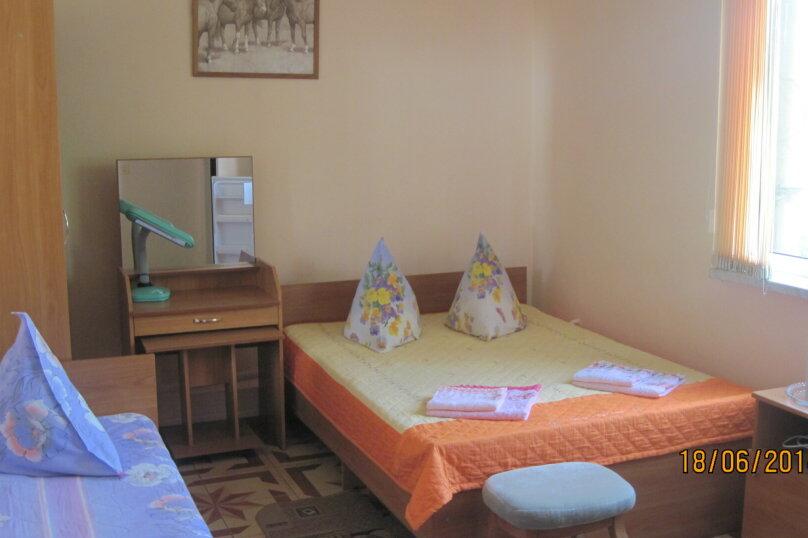 3-х местный стандарт  двухспальная +кровать(13), улица Победы, 181, Лазаревское - Фотография 1
