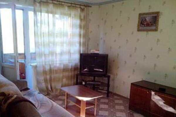 1-комн. квартира на 4 человека, проспект Бардина, 10, Новокузнецк - Фотография 1
