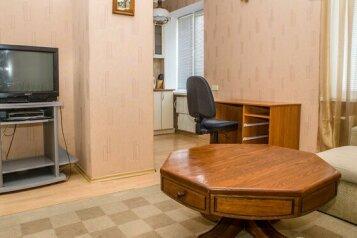 2-комн. квартира на 4 человека, улица Кирова, 97, Центральный район, Новокузнецк - Фотография 3
