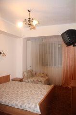 Стандартный без вида на море с видом на скалу:  Номер, Эконом, 3-местный (2 основных + 1 доп), 1-комнатный, Мини-отель, Княгини Гагариной на 10 номеров - Фотография 4