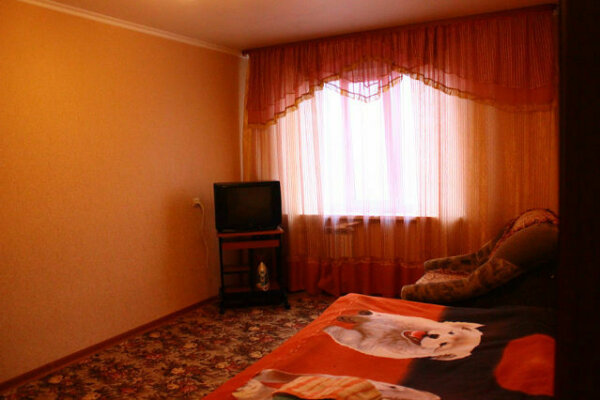 1-комн. квартира, 38 кв.м. на 3 человека, Ленинградский проспект, 10Б, Южная часть, Новый Уренгой - Фотография 1