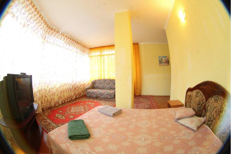 #Дом в Ялте с двориком, для семейного отдыха с детьми., улица Ломоносова, 51А на 2 комнаты - Фотография 28