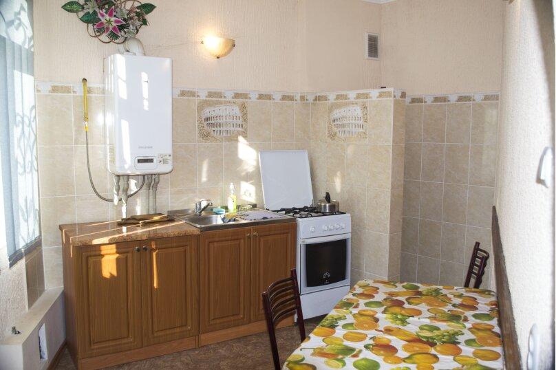#Дом в Ялте с двориком, для семейного отдыха с детьми., улица Ломоносова, 51А на 2 комнаты - Фотография 29