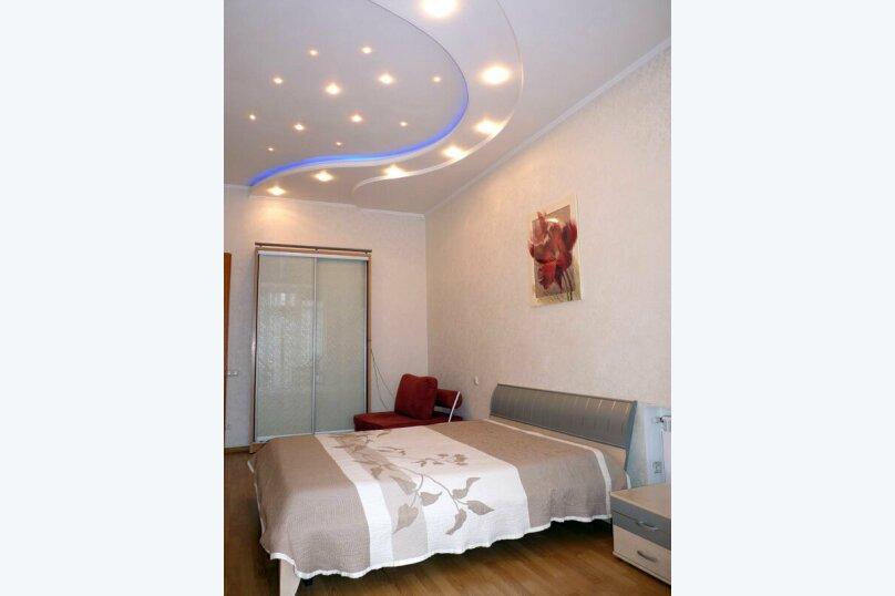 2-комн. квартира, 60 кв.м. на 5 человек, Большая Морская улица, 7, Севастополь - Фотография 1