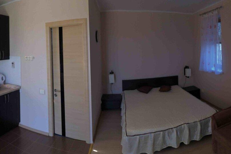 Апартаменты в Орловке, 200 кв.м. на 4 человека, 2 спальни, Дачная улица, 2, посёлок Орловка, Севастополь - Фотография 1