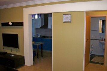 3-комн. квартира на 6 человек, улица Энтузиастов, Новокузнецк - Фотография 3