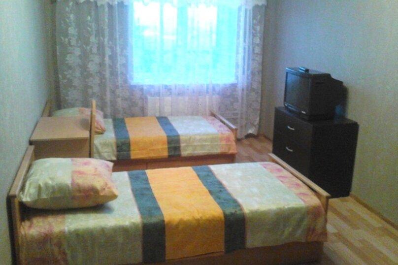 Отдельная комната, Майкопская улица, 25, Екатеринбург - Фотография 1
