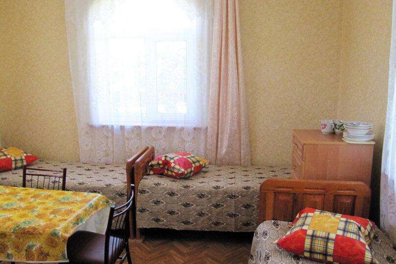 Четырехместный номер эконом-класса, улица Комиссарова, 15, Динамо, Феодосия - Фотография 1