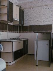 3 комнатный дом в Евпатории (до 6ти) на 5 человек, 3 спальни, улица Казаса, 74, Евпатория - Фотография 1