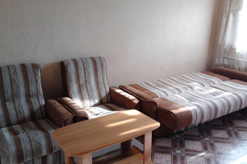 1-комн. квартира, 36 кв.м. на 2 человека, Семёновская улица, 30, Владивосток - Фотография 1