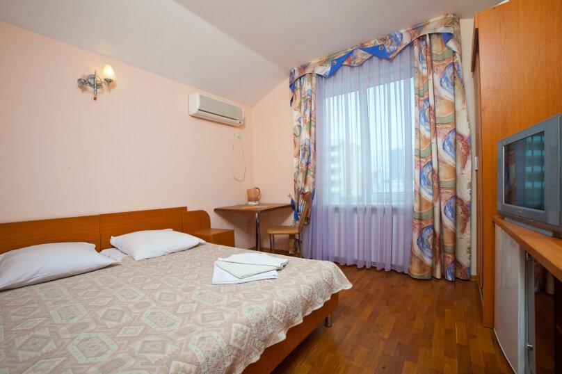 """Мини-отель """"Черноморье"""", Черноморская улица, 16 на 11 номеров - Фотография 12"""