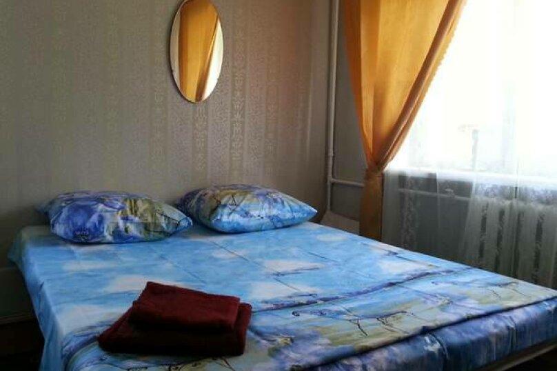 1-комн. квартира, 30 кв.м. на 2 человека, улица Попова, 46, Архангельск - Фотография 1