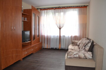 1-комн. квартира на 4 человека, улица Робеспьера, 128, Ленинский район, Ульяновск - Фотография 1