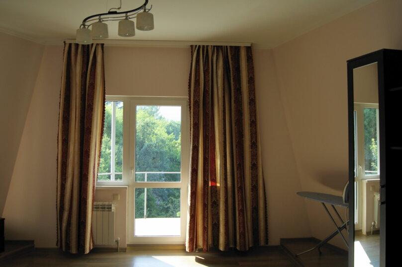 3-комн. квартира, 110 кв.м. на 6 человек, Южнобережное шоссе, 46, Ялта - Фотография 9