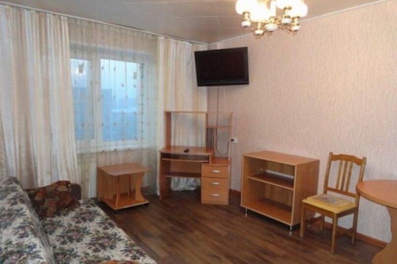 2-комн. квартира, 55 кв.м. на 4 человека, улица Ладо Кецховели, 69, Красноярск - Фотография 1