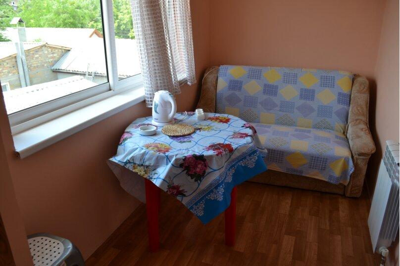 """Гостевой дом """"На Шершнева 6"""", улица Шершнева, 6 на 6 комнат - Фотография 23"""