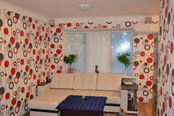 3-комн. квартира, 70 кв.м. на 6 человек, Голубинская улица, 16, Центральный район, Волгоград - Фотография 1
