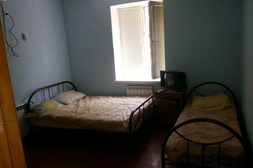 """Гостевой дом """"На Калинина 113"""", Калинина, 113 на 3 комнаты - Фотография 5"""